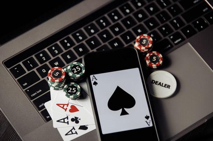 Menang Poker Online Dengan Mudah
